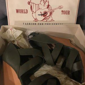 True religion wedged sandals